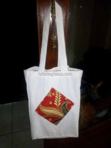 goodie bag blacu kombinasi batik