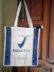 goodie bag blacu kombinasi batik dan sablon, tote bag blacu