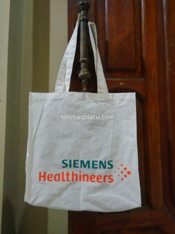 goodie bag blacu sablon 2 warna